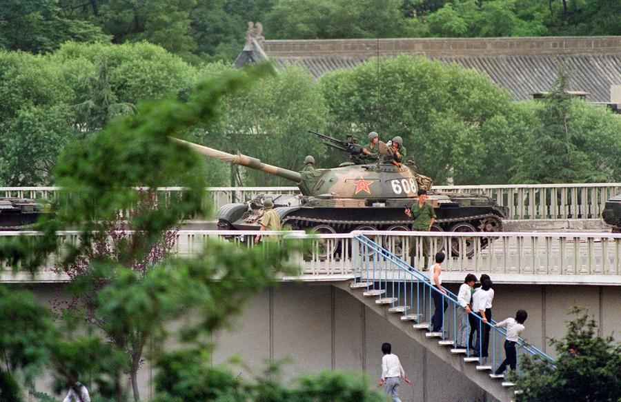 30 Years Ago: Legions of Soldiers Encircling Beijing