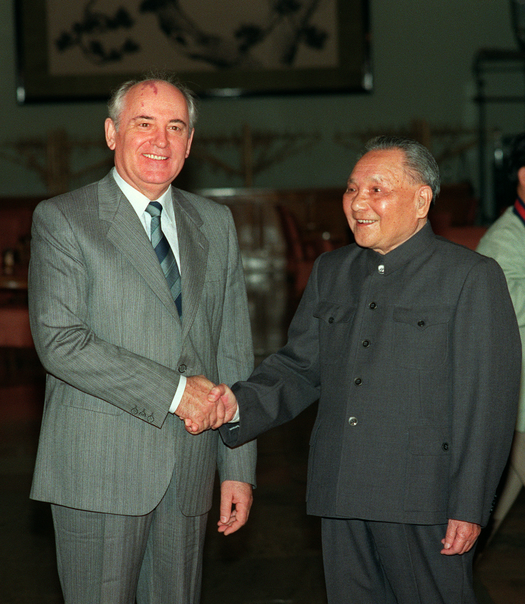 30 Years Ago: Gorbachev Meets Deng; Protests Grow