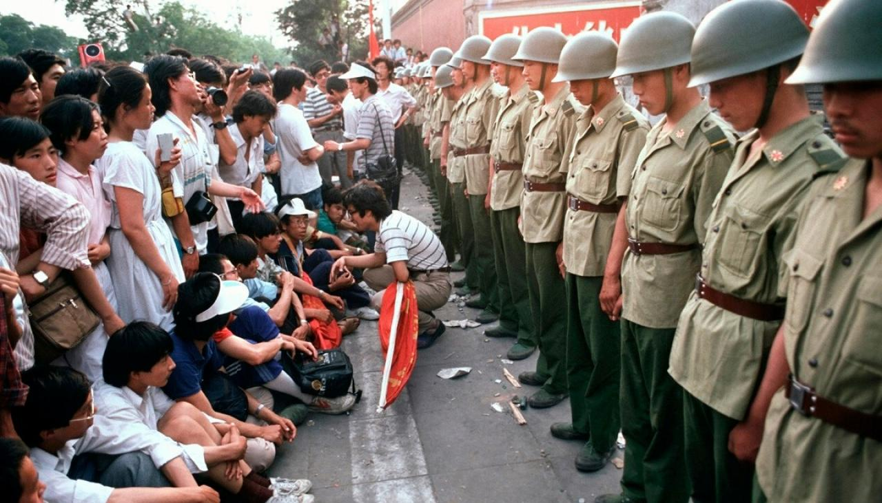 30 Years Ago: 2,000 Protest At Public Security Office