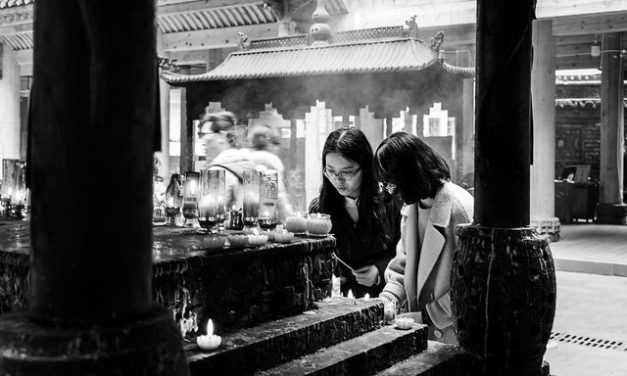 Photo: The Prayers, by Gauthier DELECROIX – 郭天