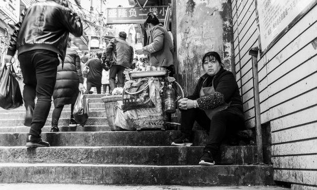 Photo: Staircase Kitchen, by Gauthier DELECROIX – 郭天