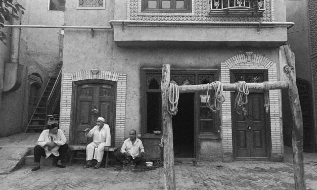Photo: Kashgar Artisans, by Àlex Moreno Fuster