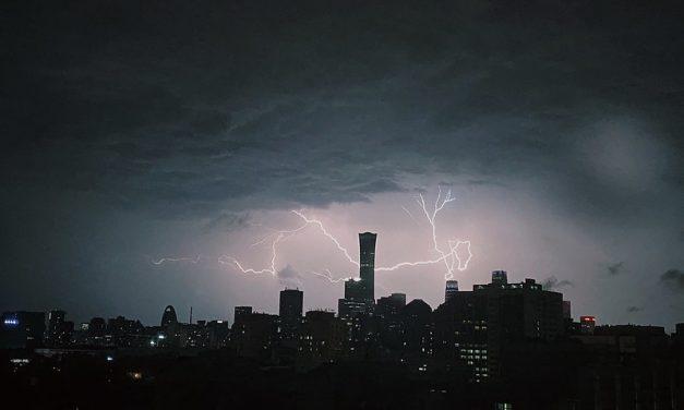 "Photo: Lightning ""passes through"" the highest landmark building in Beijing like a dragon, by World Meteorological Organization/Lu Qiao"