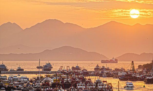 Photo: Sunset at Aberdeen, Hong Kong, by johnlsl