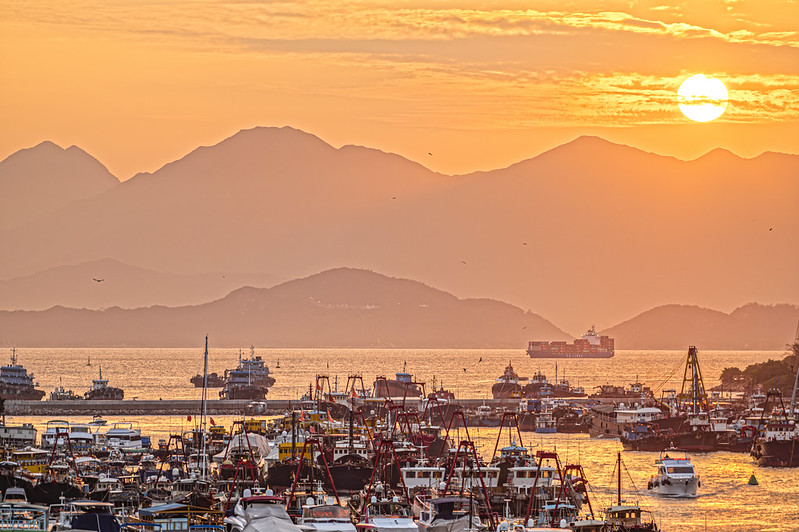 Photo: Sunset at Aberdeen, Hong Kong, by johnlsl